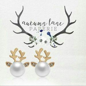 Jewelry - Elegant Reindeer Deer Christmas Earrings